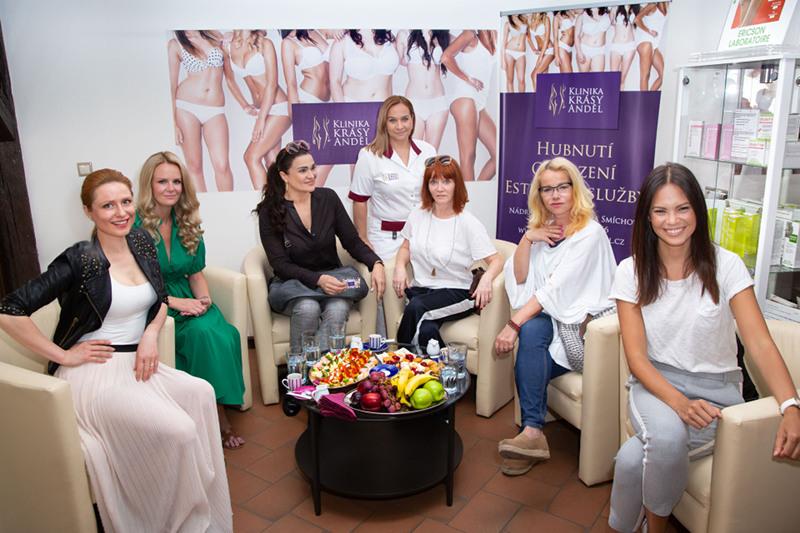 Celebrity se připravují do plavek na Klinice krásy Anděl 2018