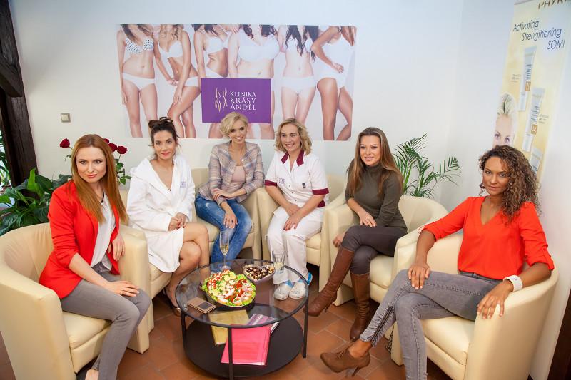 Celebrity se připravují do plavek na Klinice krásy Anděl 2016